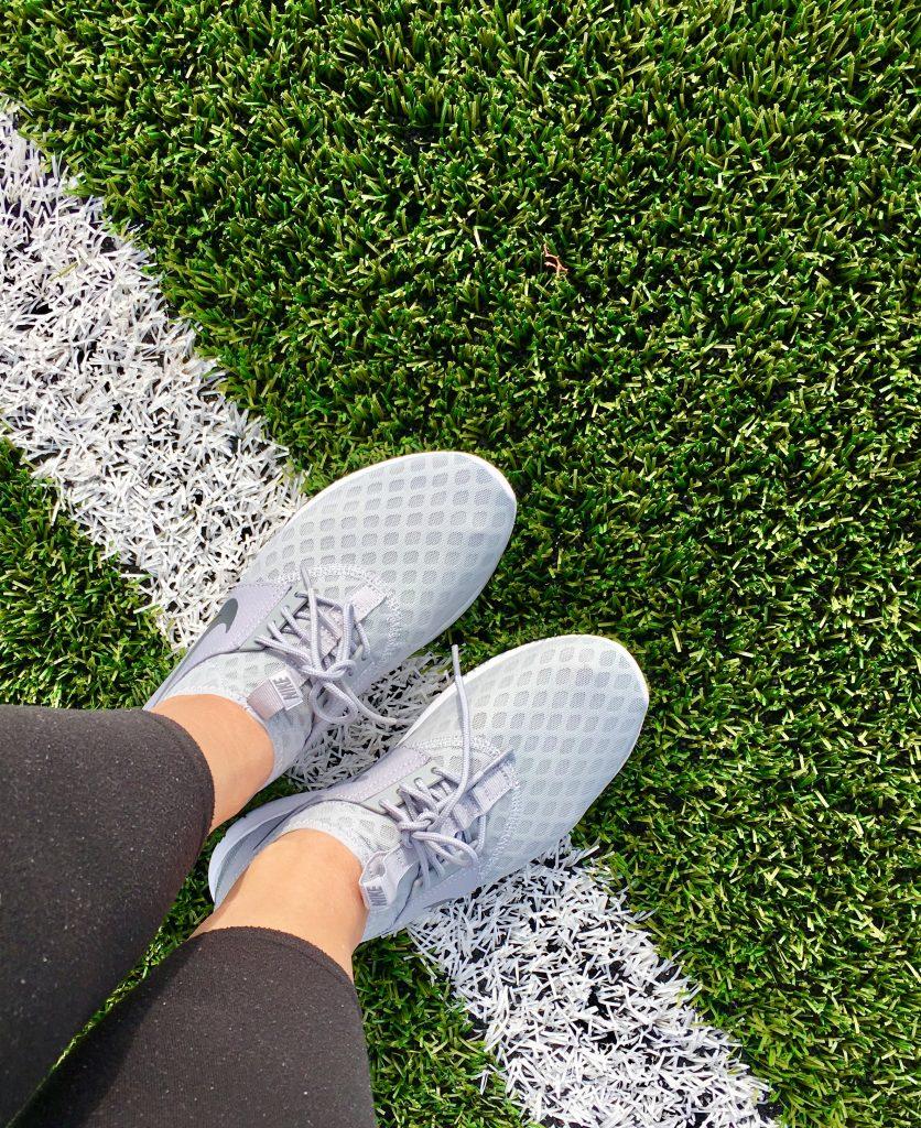 fodboldbane græs sneakers nike (Foto; MY DAILY SPACE)