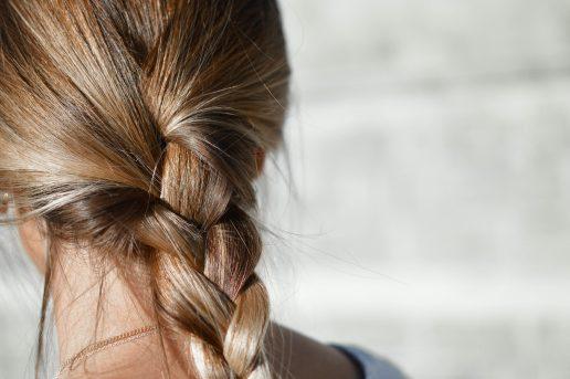 hår pige ryg hårpleje fletning (Foto: Unsplash)