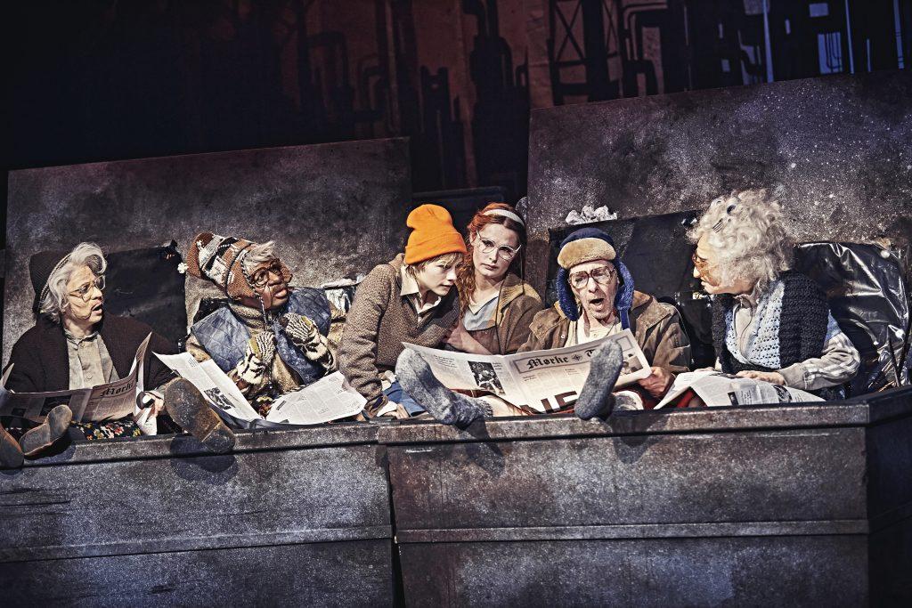 (Foto: Charlie & Chokoladefabrikken. Aarhus Teater. Foto Emilia Therese)