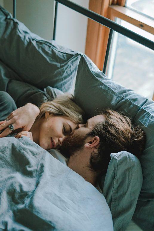 par seng kramme sex sove