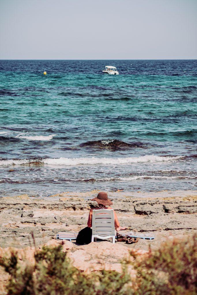 sol solbadning solhat havet