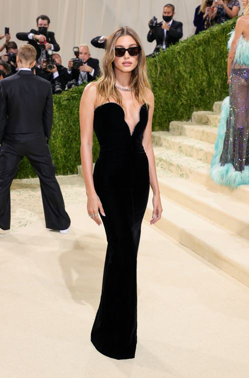 NEW YORK, NEW YORK - SEPTEMBER 13: Hailey Bieber attends The 2021 Met Gala Celebrating In America: A Lexicon Of Fashion at Metropolitan Museum of Art on September 13, 2021 in New York City. (Photo by Theo Wargo/Getty Images)