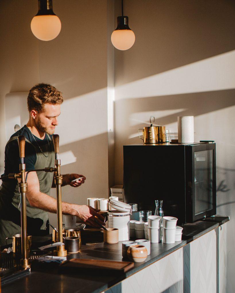barista kaffe cafe
